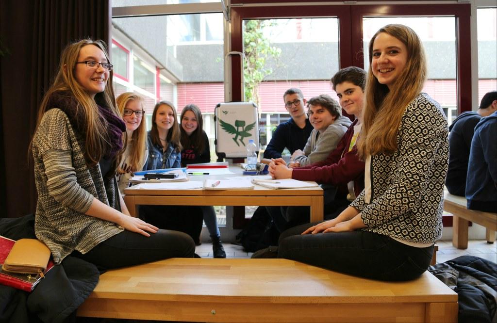 Schülerinnen und Schüler des Gymnasiums Norf freuen sich über die Nominierung zum Deutschen Schulpreis