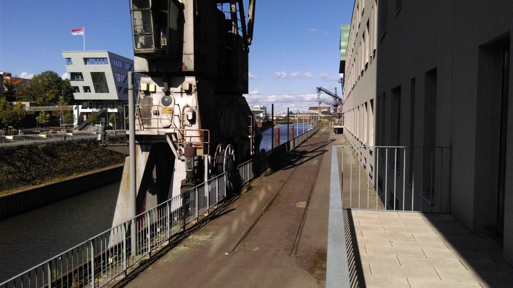 Hafenrundgang - Wirtschaft, Industrie und Stadtentwicklung