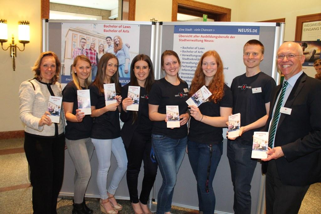 Potentielle Nachwuchskräfte beim Berufsinformationstag 2016