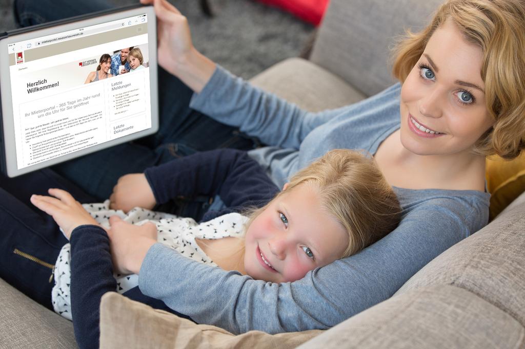 Das Mieterportal lässt sich bequem von der Couch aus nutzen und ist so einfach zu bedienen wie eine WhatsApp-Nachricht