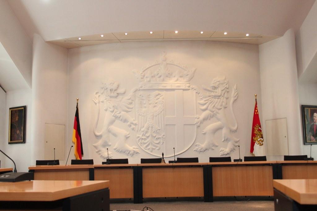 Ratssaal im Neusser Rathaus