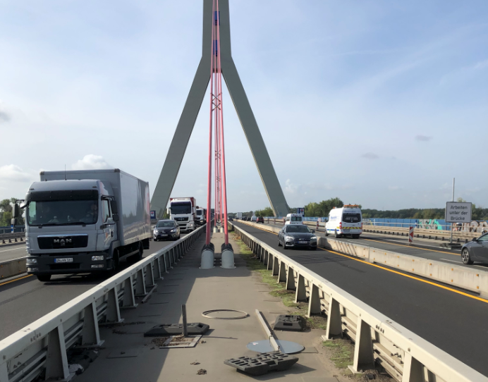 Baustelle auf der Fleher Brücke im September 2019
