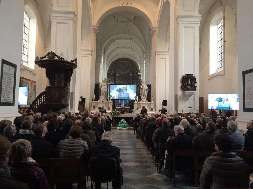 Tobback-totale-Kirche.jpg