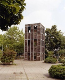 Holzturm von Haus Rucker, Hauptpost, 1985