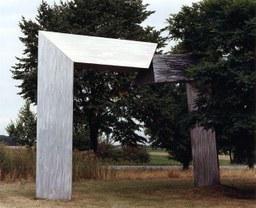 Arc von Christoph Böllinger, Grünfläche zwischen Forumstr. und Bonner Str. Neuss-Norf, 1990