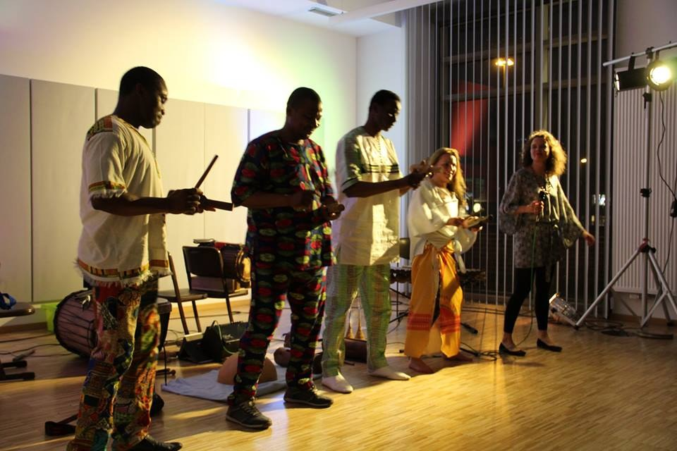 Afrotonique Gruppe.jpg