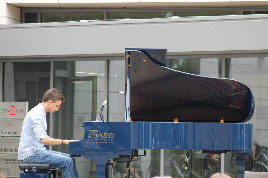 """Klavier """"Open Air"""""""