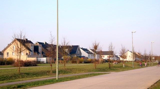Bustrasse zum S-Bahnhaltepunk