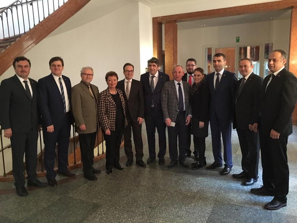 Begrüßung der offiziellen Delegation aus Bolu durch Bürgermeister Reiner Breuer im Dezember 2015