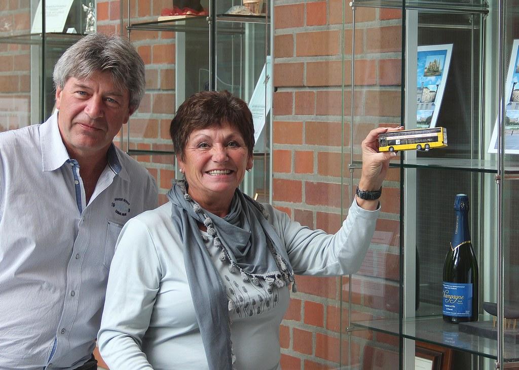 """Sorgen für eine """"stets tolle Organisation"""" der Kurzreise """"Ein Bus nach Chalons"""": Uwe Manke und Karin Kutsch"""