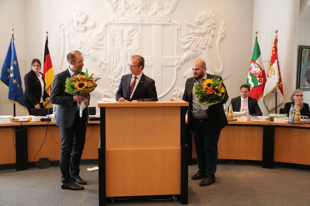 Die neuen Ratsmitglieder Marc Bohn (l.) und Hayda Dikme (r.), beide SPD.